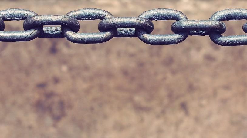 chain-722283_1920