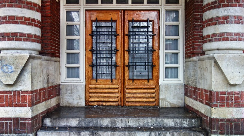 door-3104455_1920
