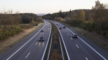 highway-2909336_1920